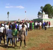 La fête des morts à Madagascar