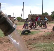 Afrique du Sud : le tourniquet pompe à eau