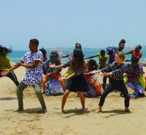 Mama Africa, interprété par Kids United